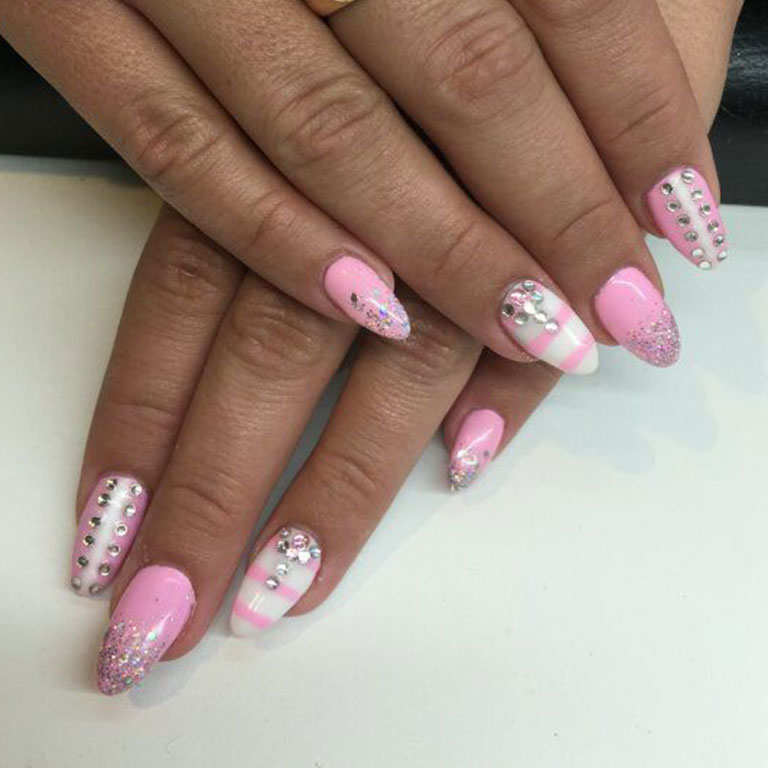 French, Nails, Nagel, Nageldesign, Gel, Steinchen, Dream
